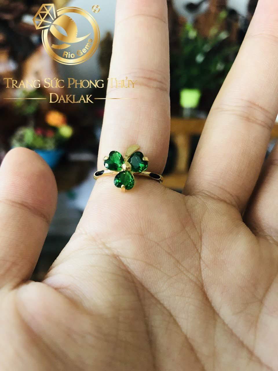 đeo nhẫn ngón nào giữ tiền hay nhất