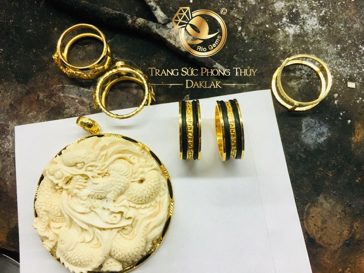 giá nhẫn lông voi bằng vàng
