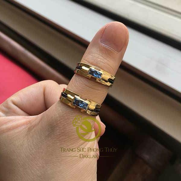 người mệnh thủy đeo nhẫn ngón nào