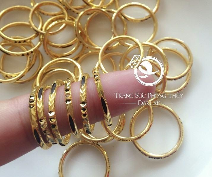nhẫn lông đuôi voi vàng 18k giá bao nhiêu
