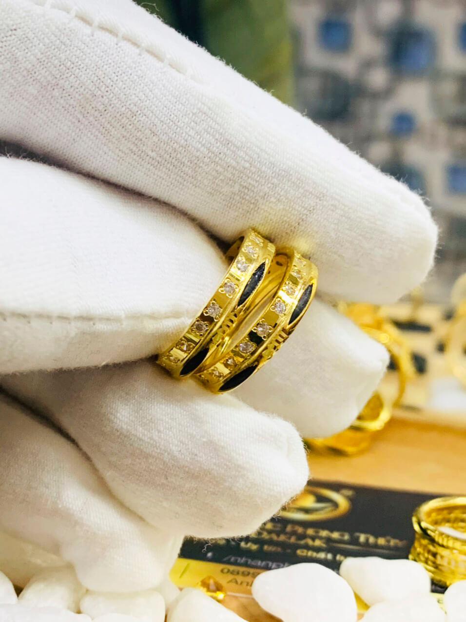 Cặp nhẫn vàng 18K Riogems mang lại may mắn