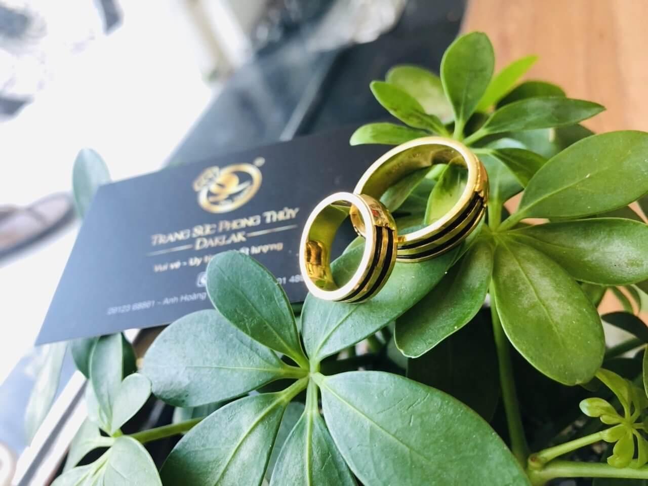 Cặp nhẫn đôi vàng 18K luồng cặp lông FAKE - Bản 8mm