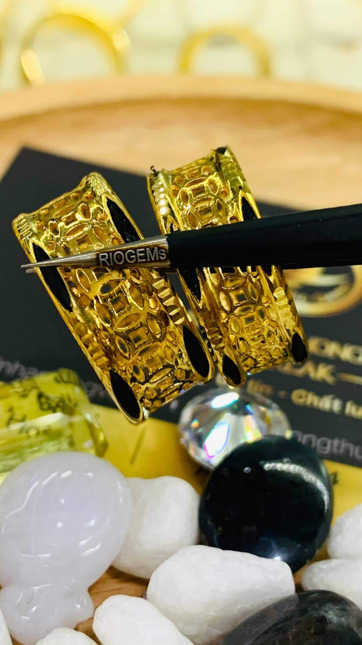 Cặp nhẫn kim tiền nam vàng 18K Riogems