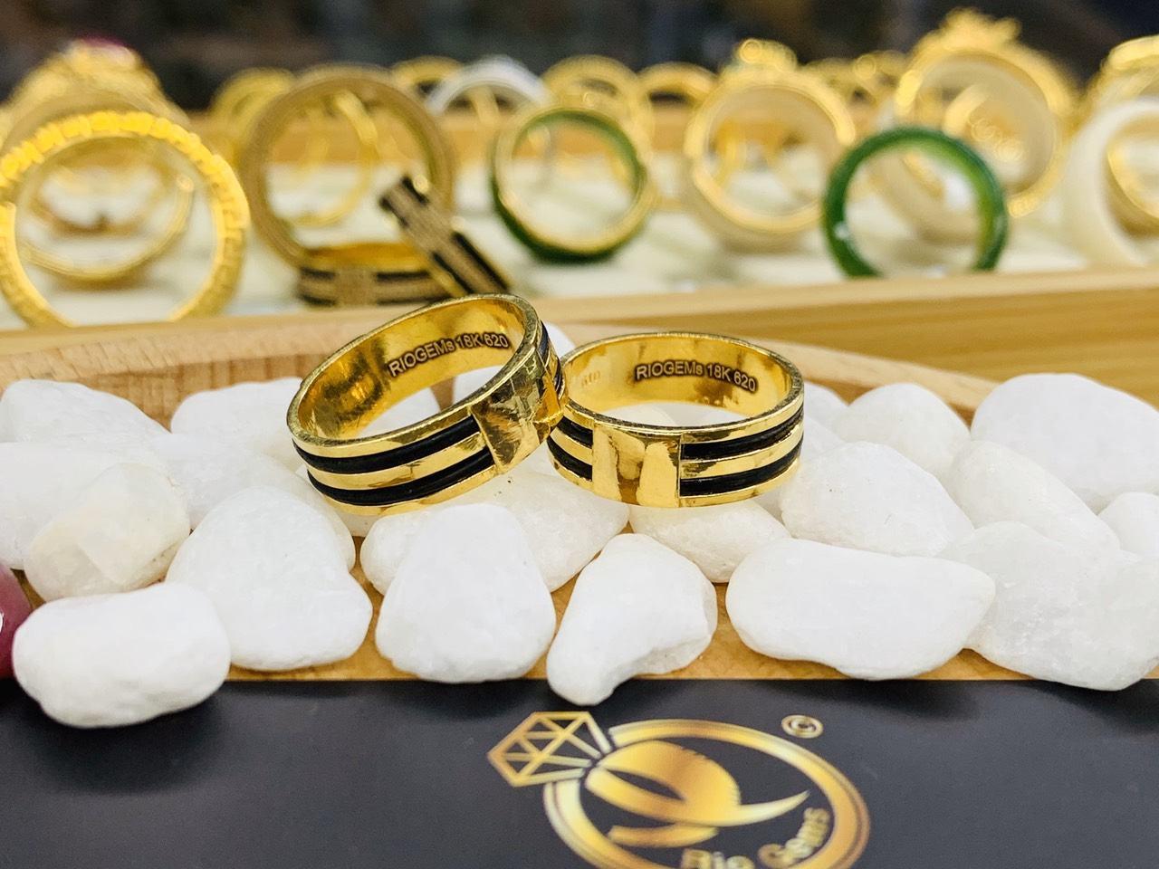 Cặp nhẫn 2 lông vàng 18K