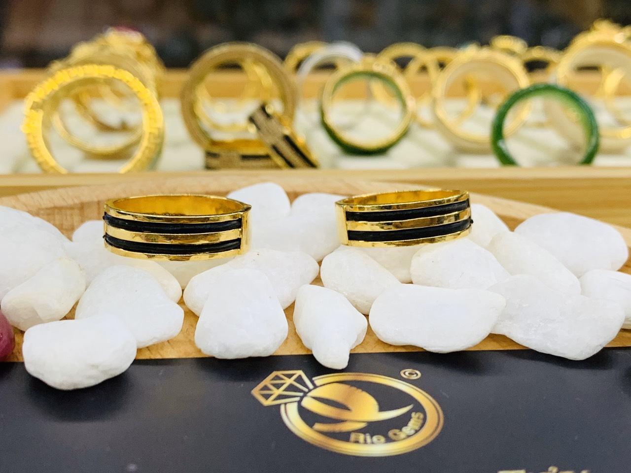 Cặp nhẫn vàng 18K khắc tên MIỄN PHÍ