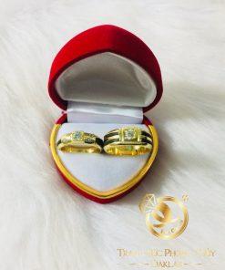 Cặp nhẫn vàng đính KIM CƯƠNG tự nhiên