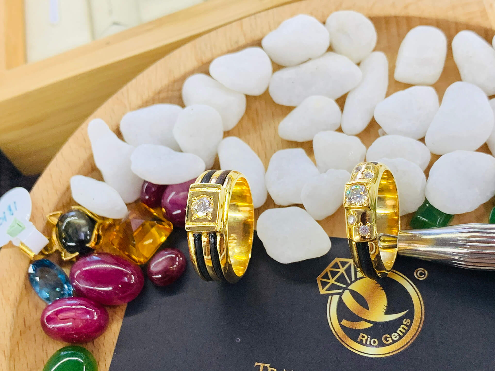 Cặp nhẫn vàng đính KIM CƯƠNG Riogems