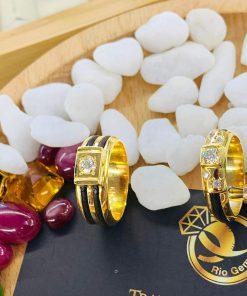 Cặp nhẫn vàng đính kim cương 1 – 2 lông làm tay RIOGEMs (1)