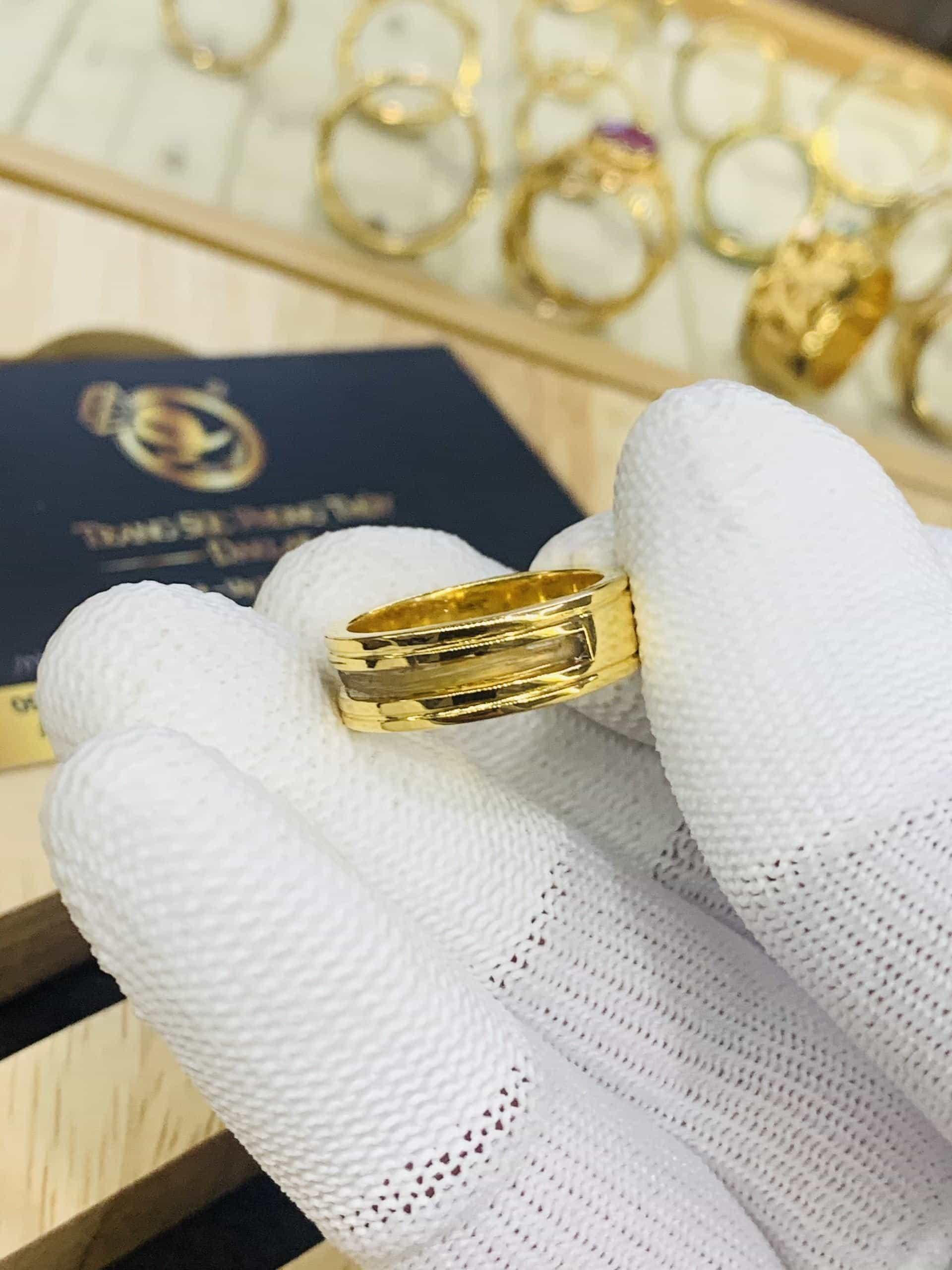Nhẫn vàng 18K phong thủy thiết kế