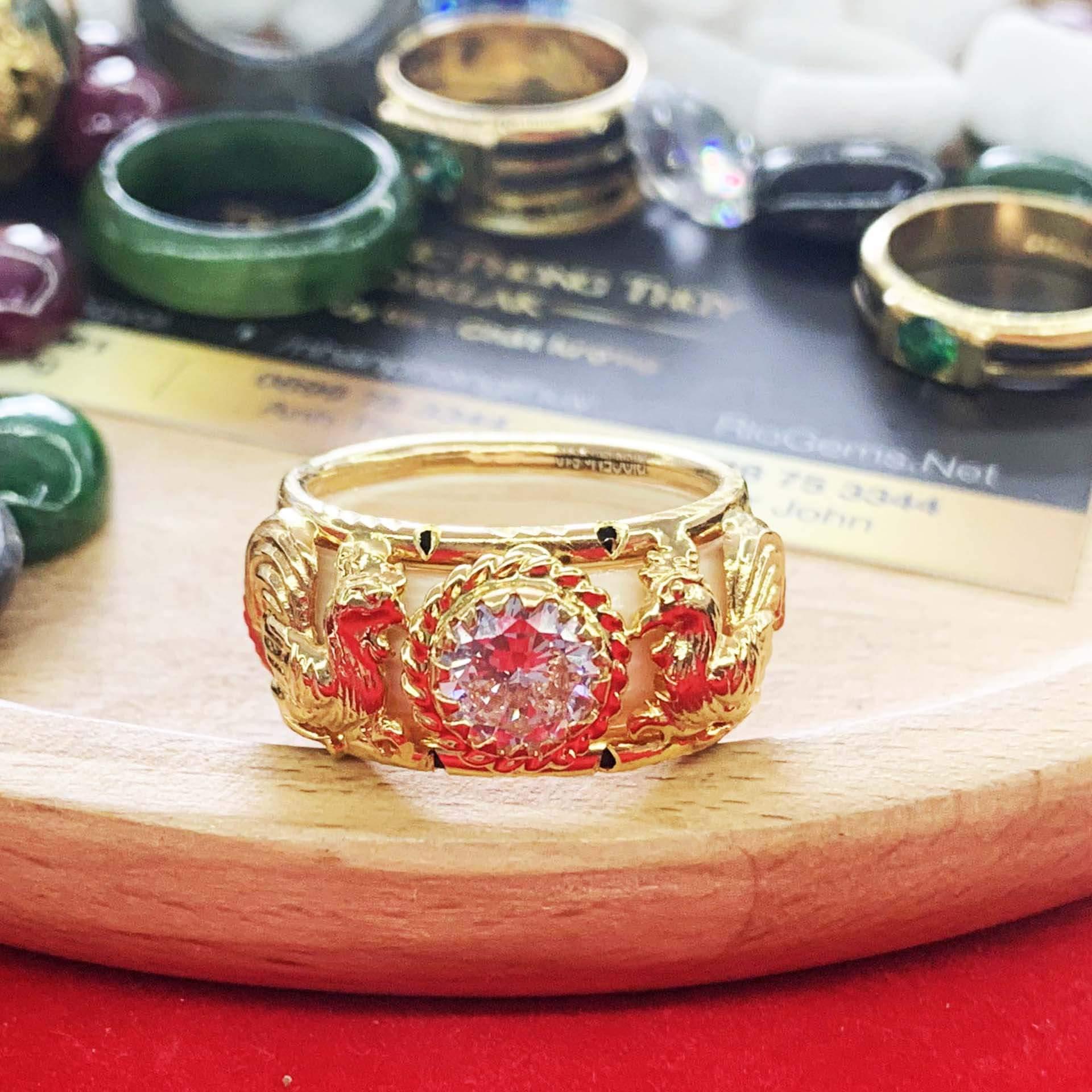 Nhẫn 2 gà vàng chầu ngọc trắng phong thủy mệnh Kim
