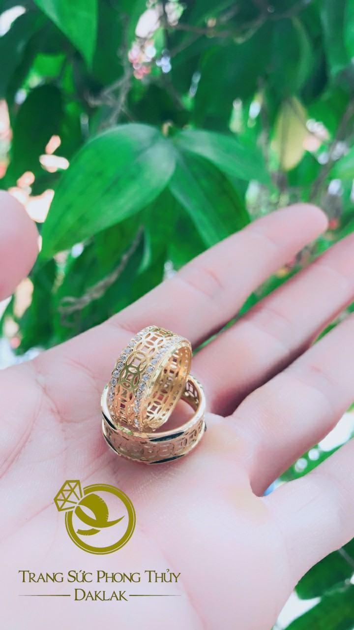 Nhẫn Kim Tiền nữ vàng 18K đính ngọc trắng Riogems