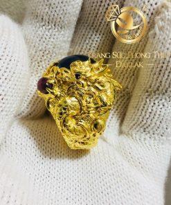 Nhẫn Nam Rồng Phụng vàng 18K ôm ngọc Sapphire mới