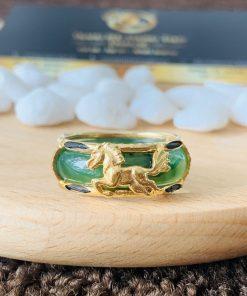 Nhẫn phong thủy Ngọc Bích đính 1 ngựa vàng 18K Riogems
