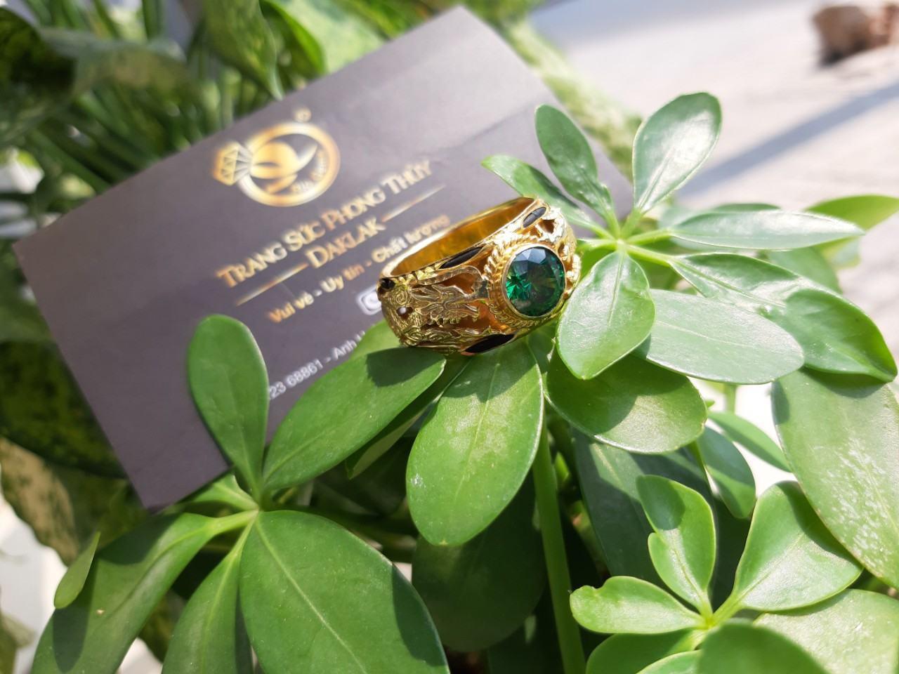 Nhẫn RỒNG vàng 18K đính Cz xanh lá Riogems