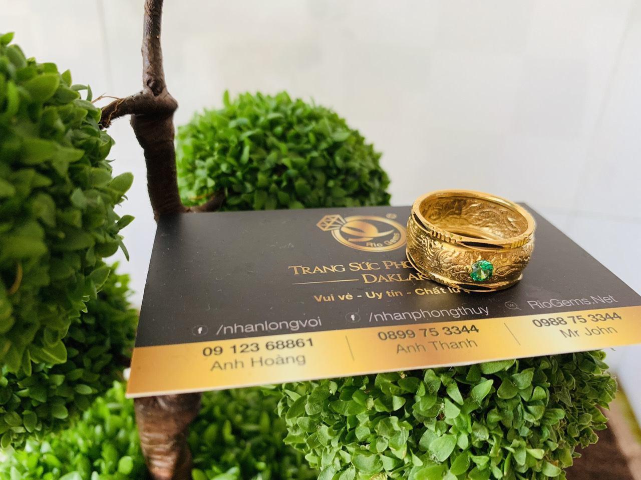 Nhẫn Rồng Phụng chầu Cz xanh lá dập mỏng vàng 18K