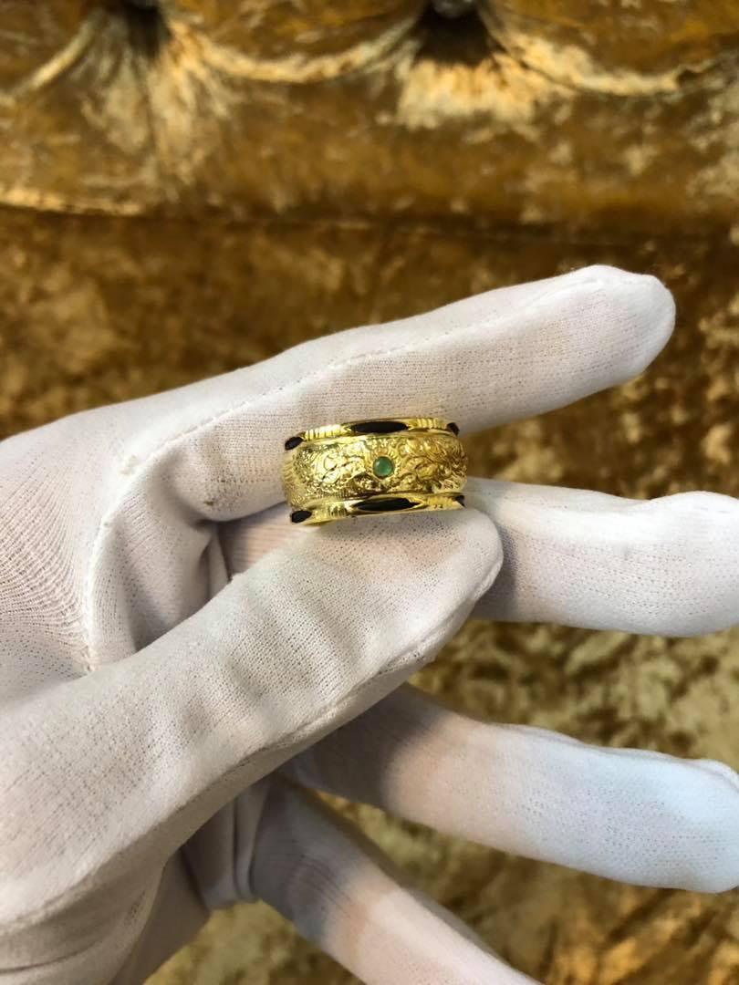 Nhẫn Rồng Rồng dập mỏng vàng 18K chầu ngọc Cz xanh lá (lông FAKE) Riogems