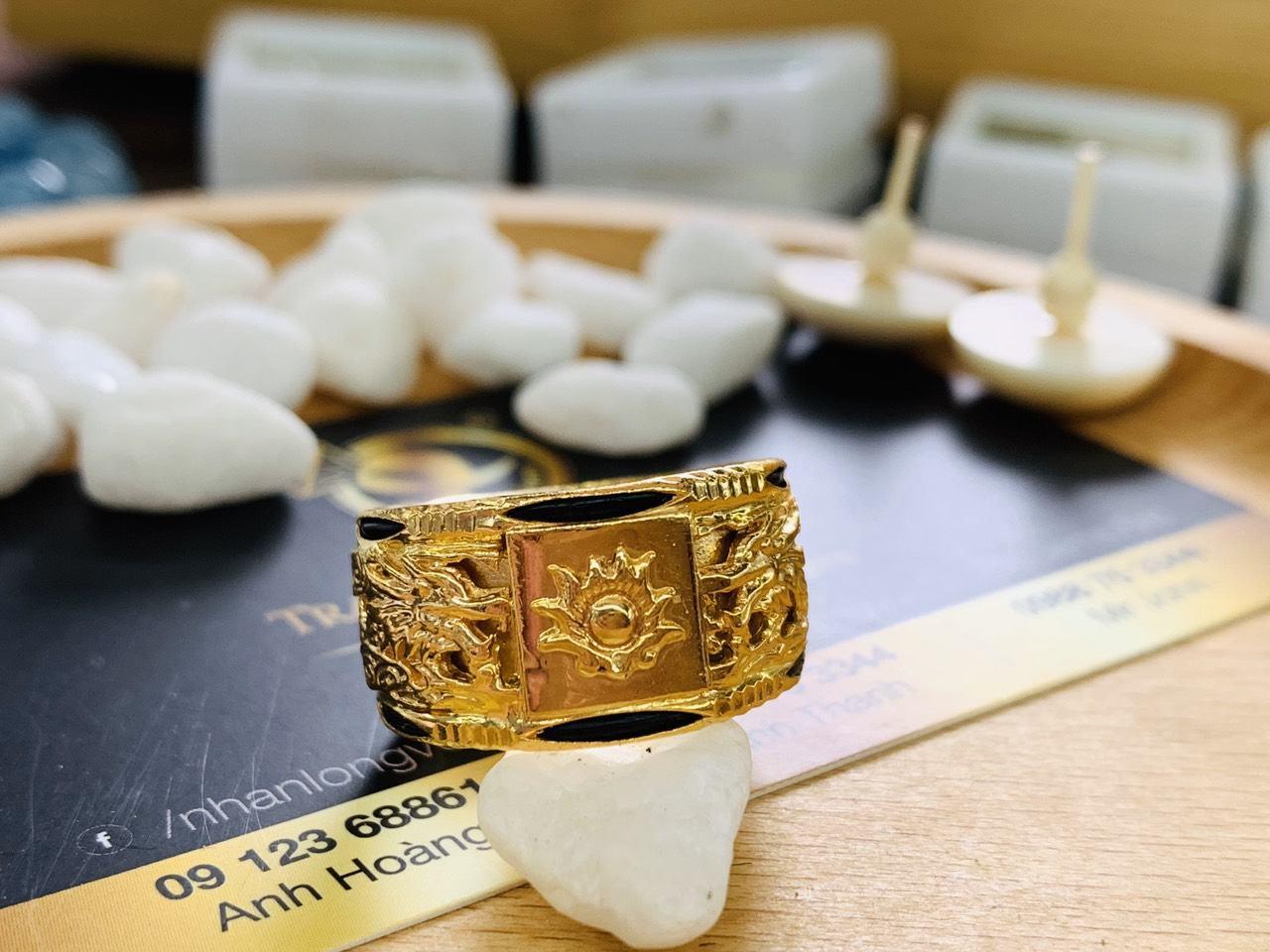 Nhẫn Rồng nam Rồng vàng 18K phong thủy chầu lửa