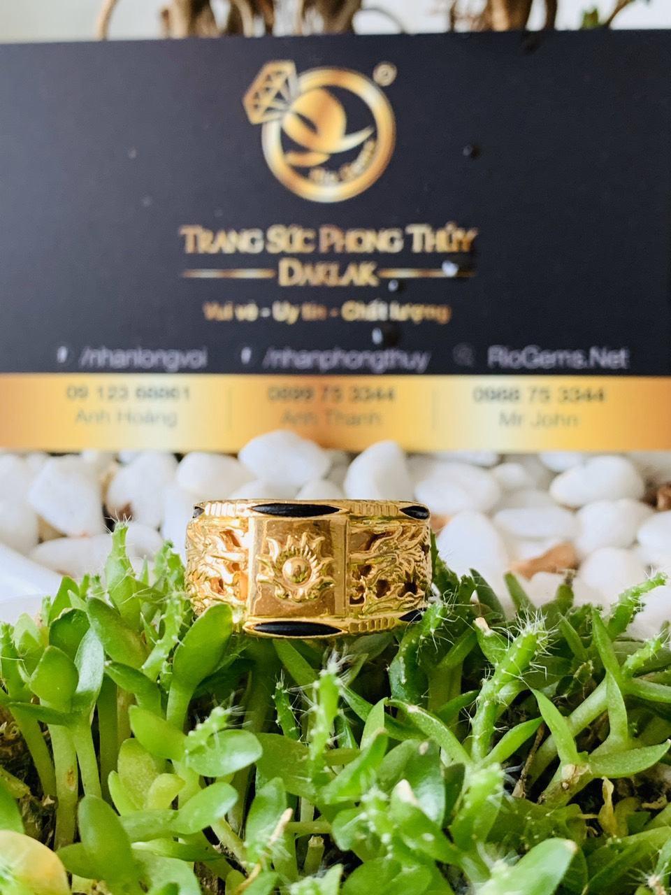 Nhẫn Rồng Rồng vàng 18K phong thủy chầu lửa (lông FAKE)