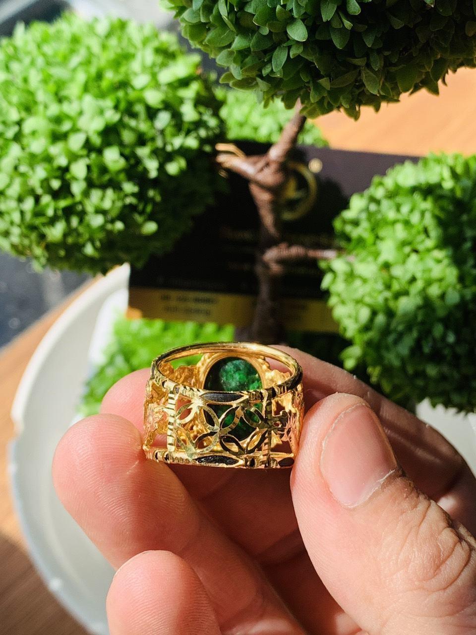 Nhẫn Rồng vàng 18K Sapphire xanh lá phong thủy
