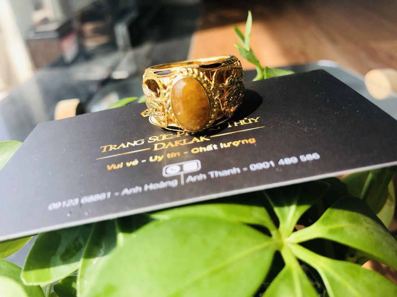 Nhẫn Rồng Rồng vàng 18K chầu ngọc Thạch Anh Tóc vàng