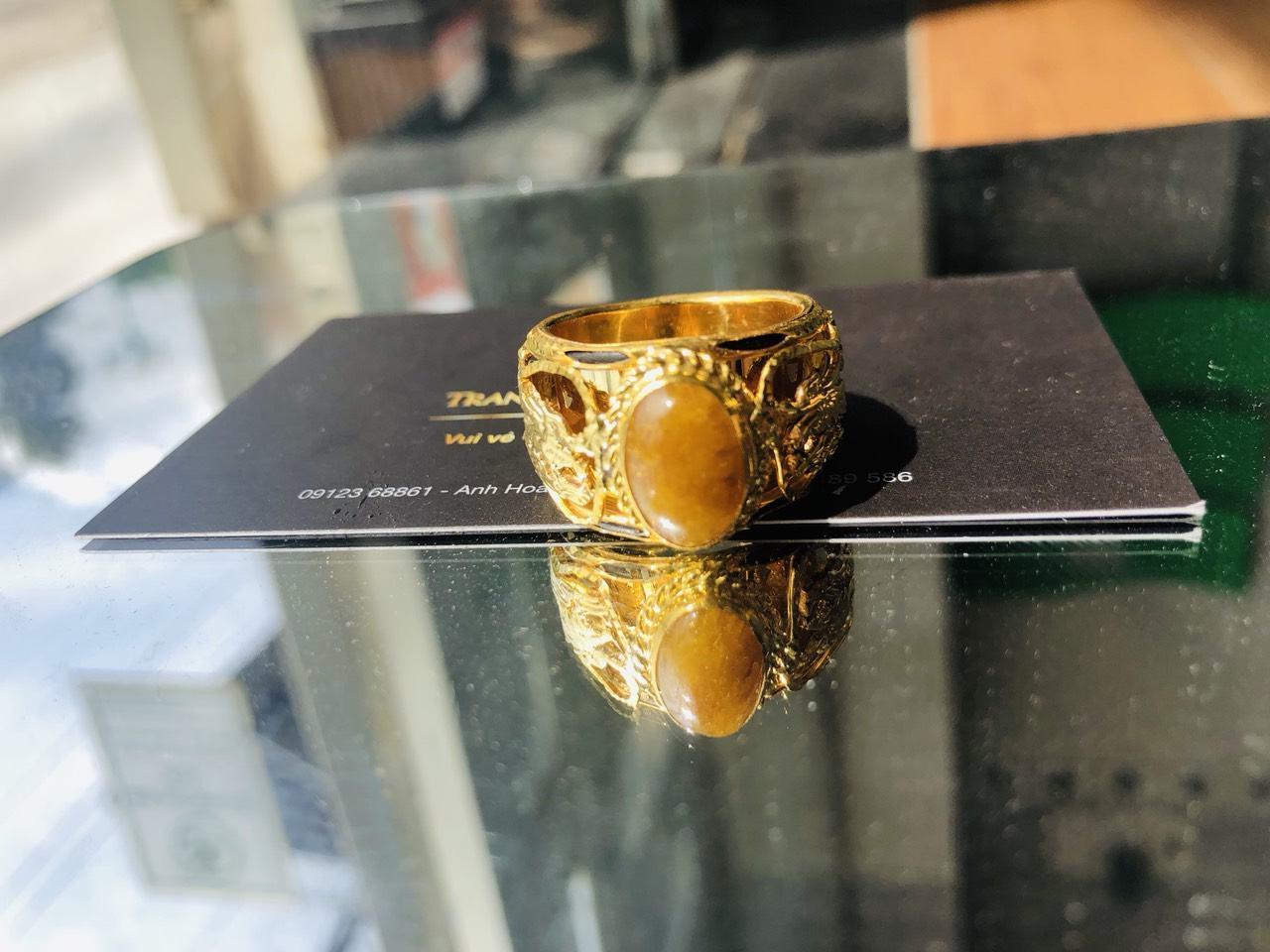 Nhẫn Rồng vàng 18K chầu ngọc Thạch Anh Tóc vàng