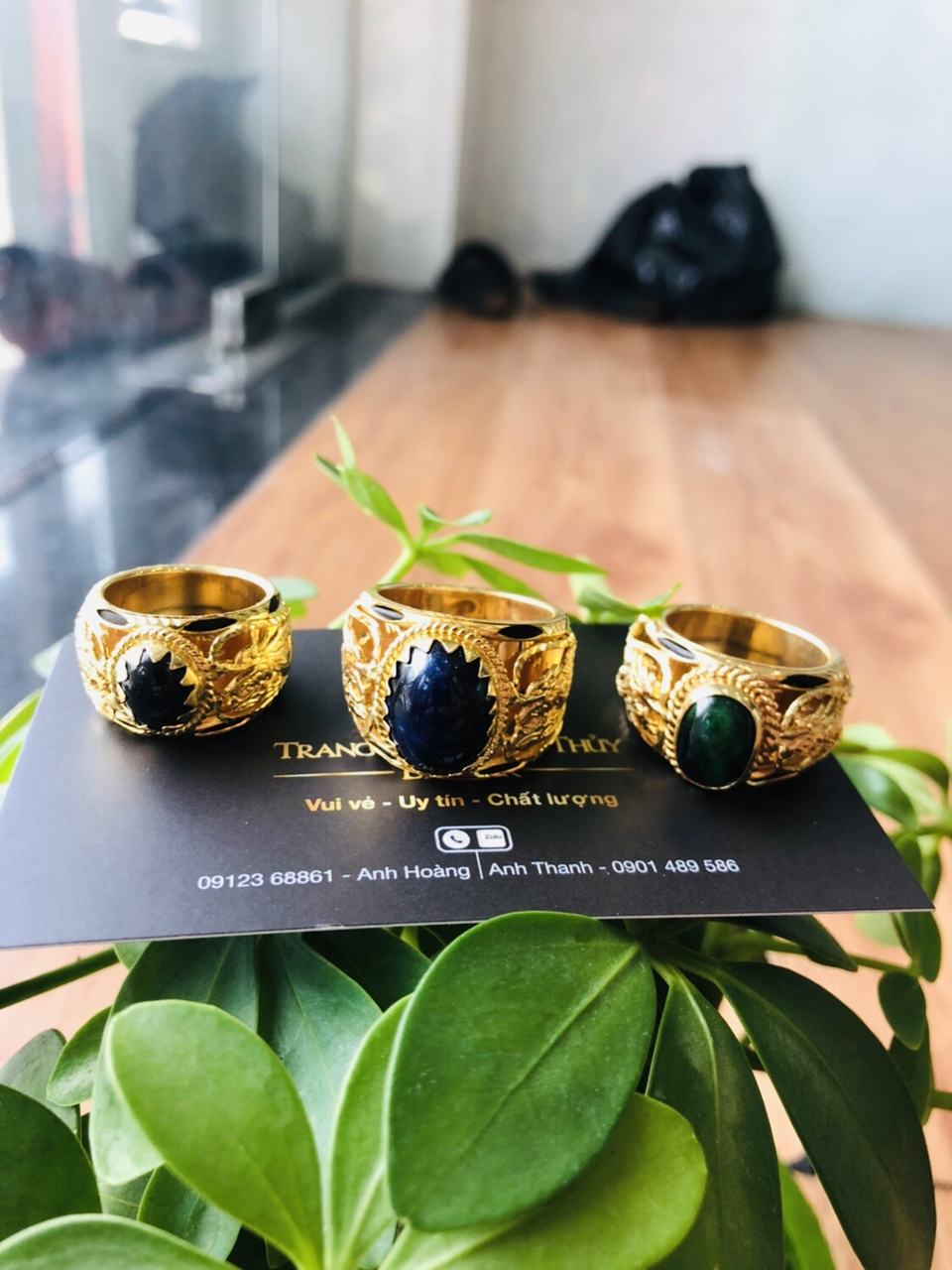 Nhẫn Song Long đính đá Sapphia xanh