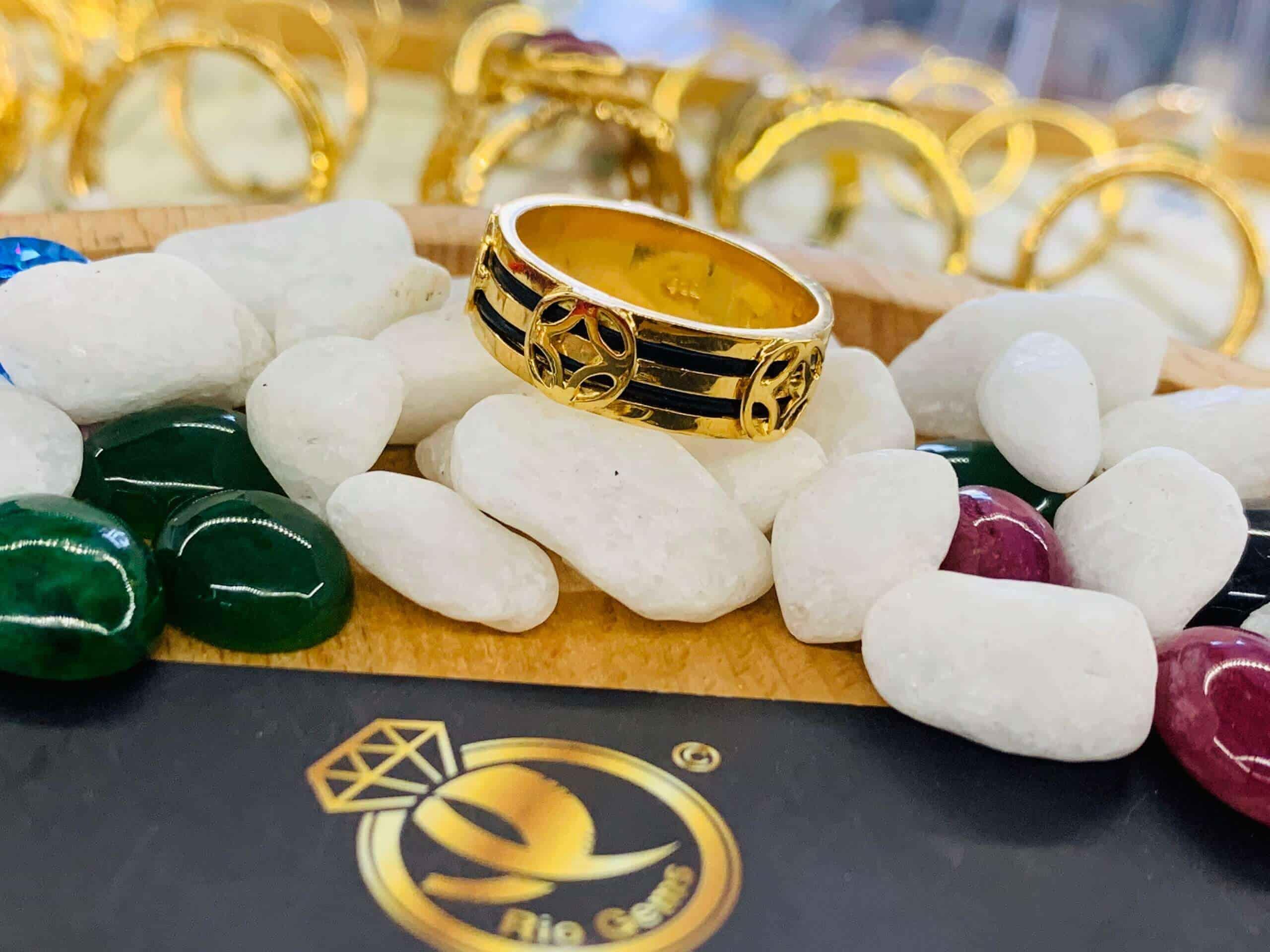 Nhẫn TÀI LỘC vàng 18K lông fake phong thủy Riogems