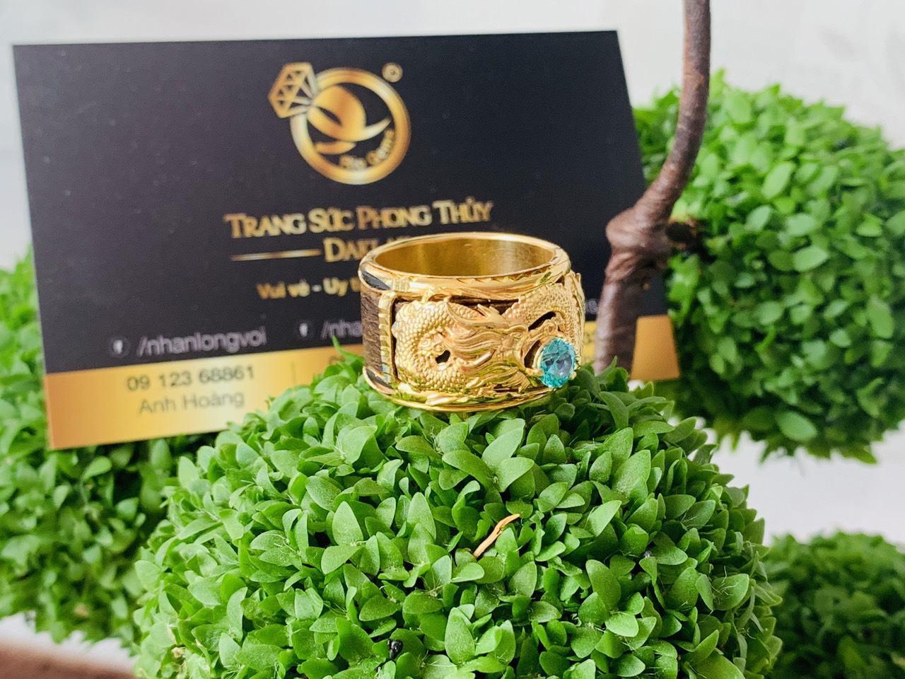 Nhẫn phong thủy Trầm Hương bọc rồng vàng
