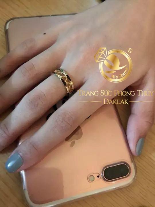 Nhẫn dích dắc vàng 18K luồng lông phong thủy