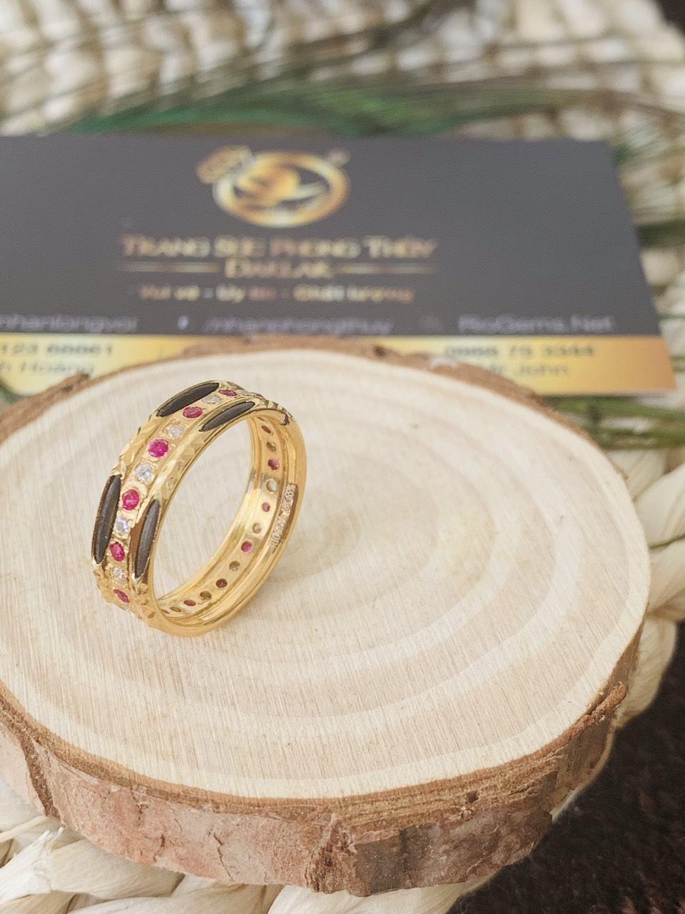 Nhẫn đôi lông đính 1 hàng đá tấm đỏ Cz