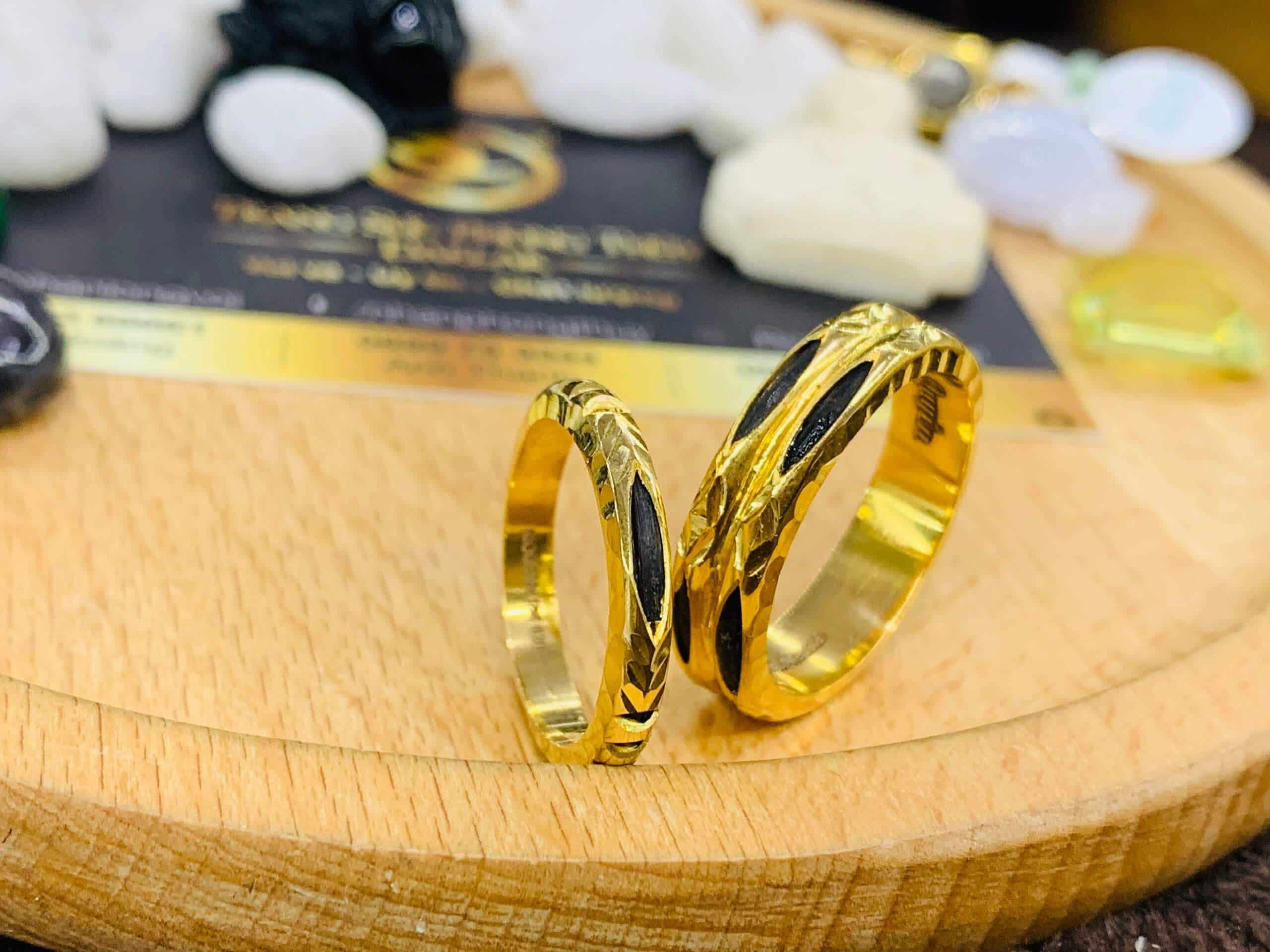 Nhẫn đôi vàng 18k