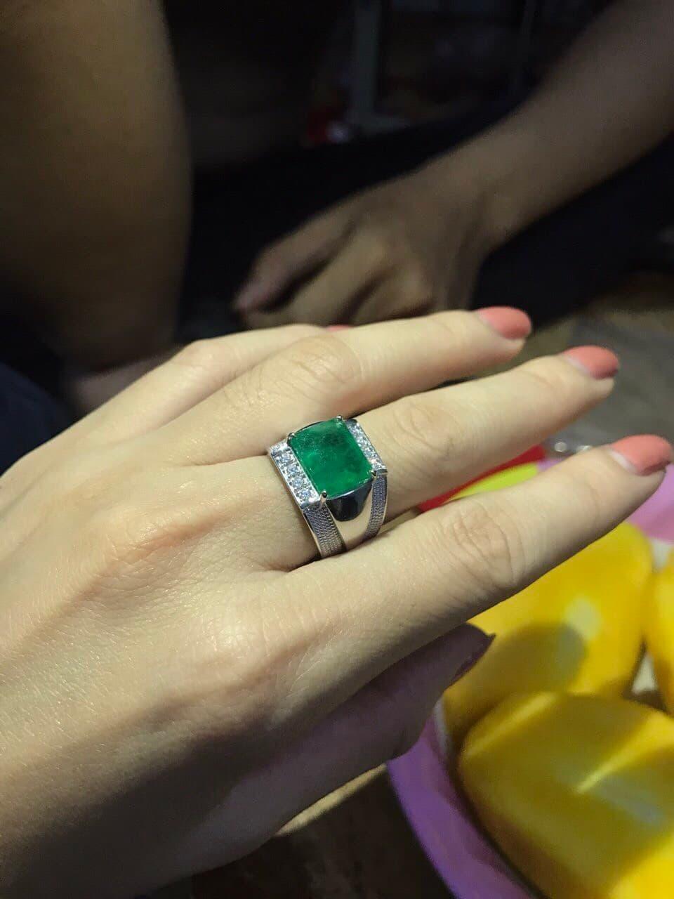 nhan-nam-ngoc-luc-bao-Emerald