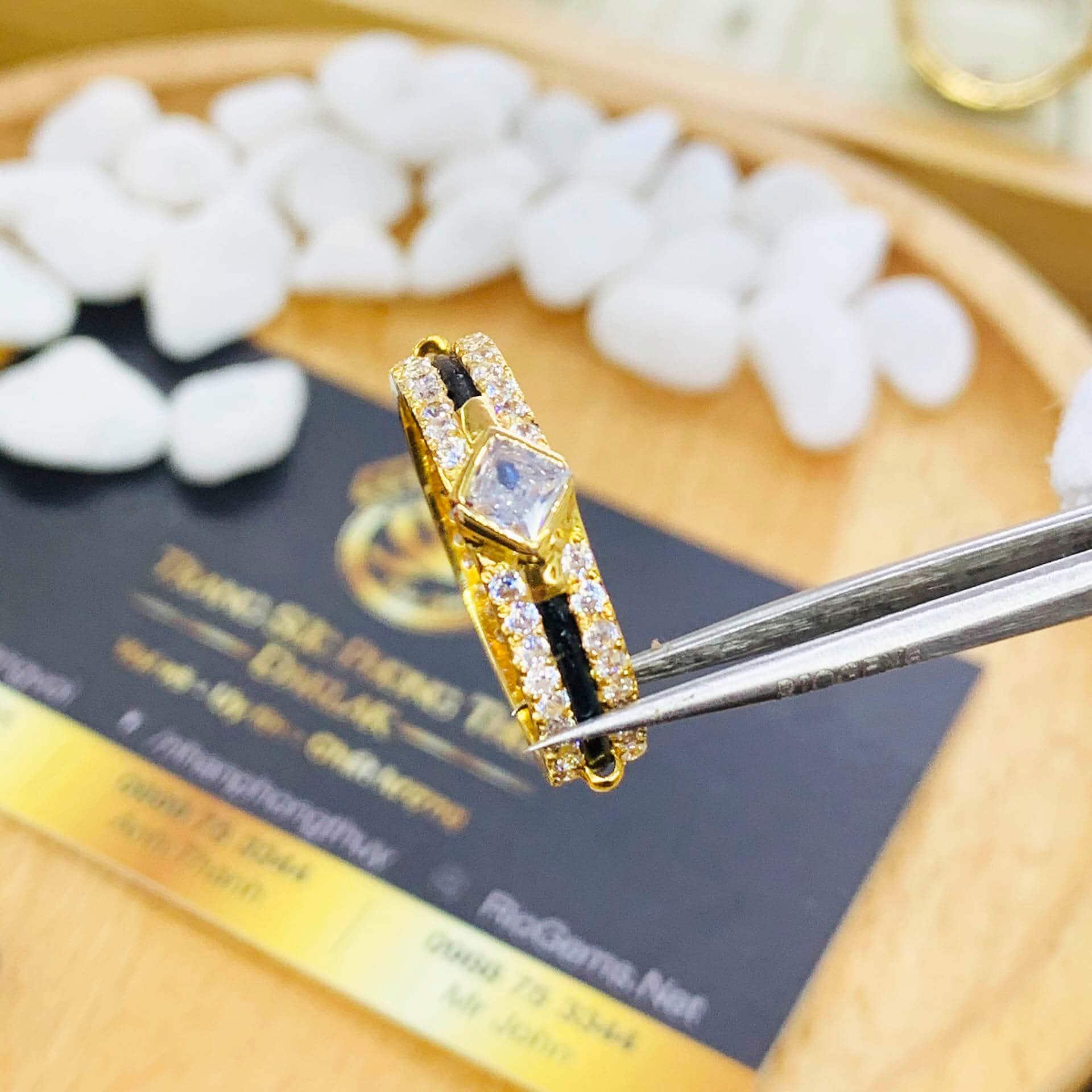 Nhẫn nam nữ đính đá Cz vàng 18K Riogems phong thủy