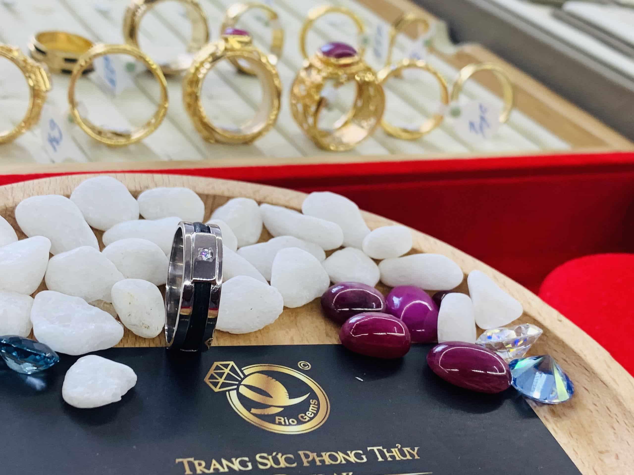 Nhẫn nam nữ vàng trắng 1 sợi Handmade đính đá Cz 1,2li