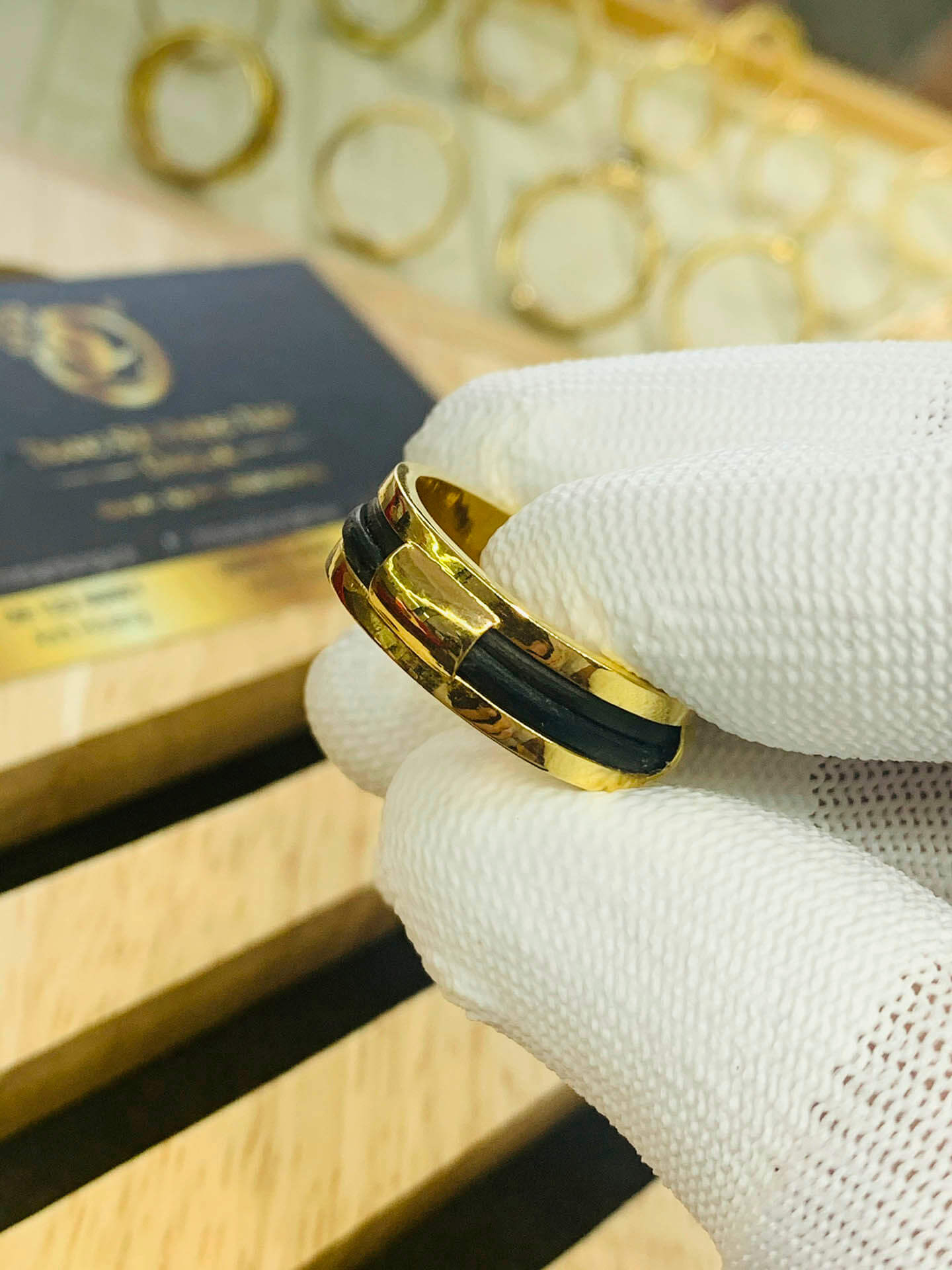 Nhẫn nam làm tay 2 sợi chung vàng 18K Riogems