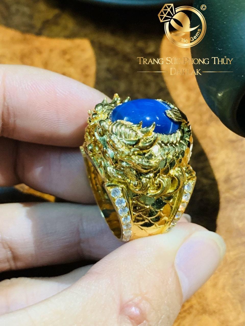 Nhẫn vàng Cá Chép hóa Rồng chầu ngọc Sapphire