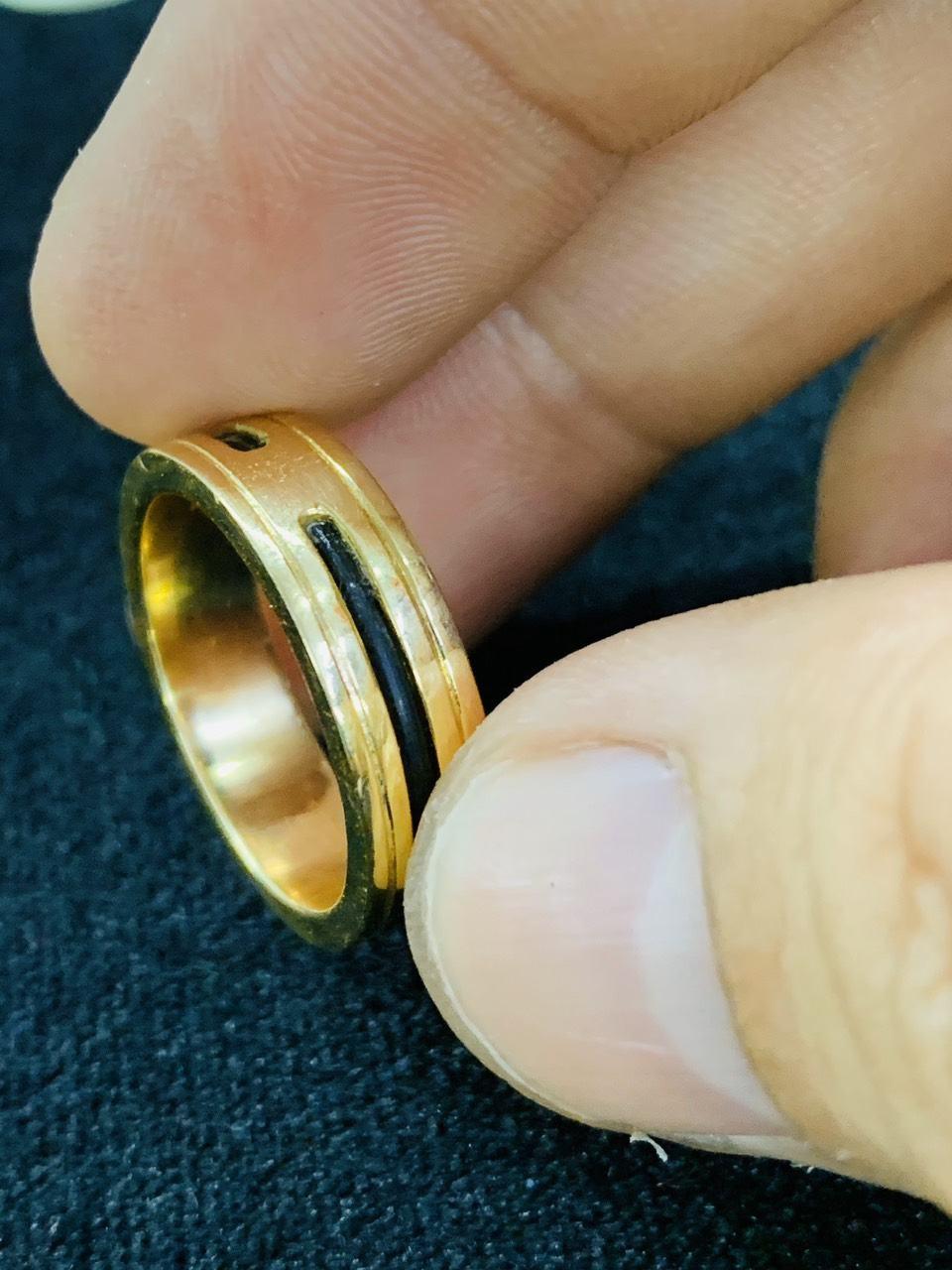 Nhẫn 1 luồng lông vàng 18K phong thủy Riogems.jpg