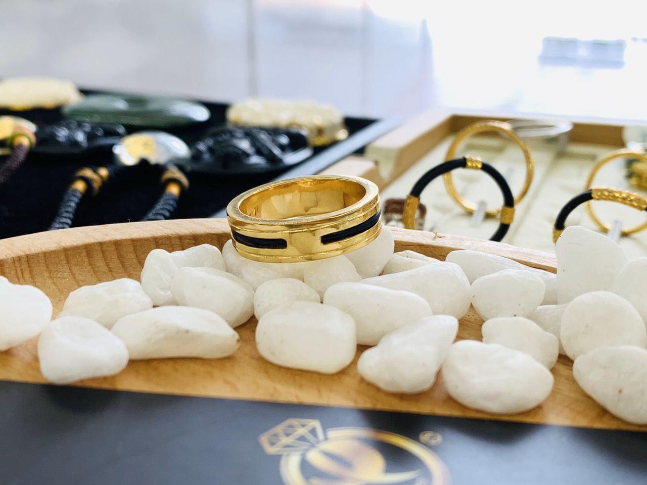 Nhẫn vàng 18K phong thủy Riogems