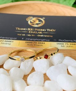 Nhẫn nữ vàng 18K đính đá đơn giản