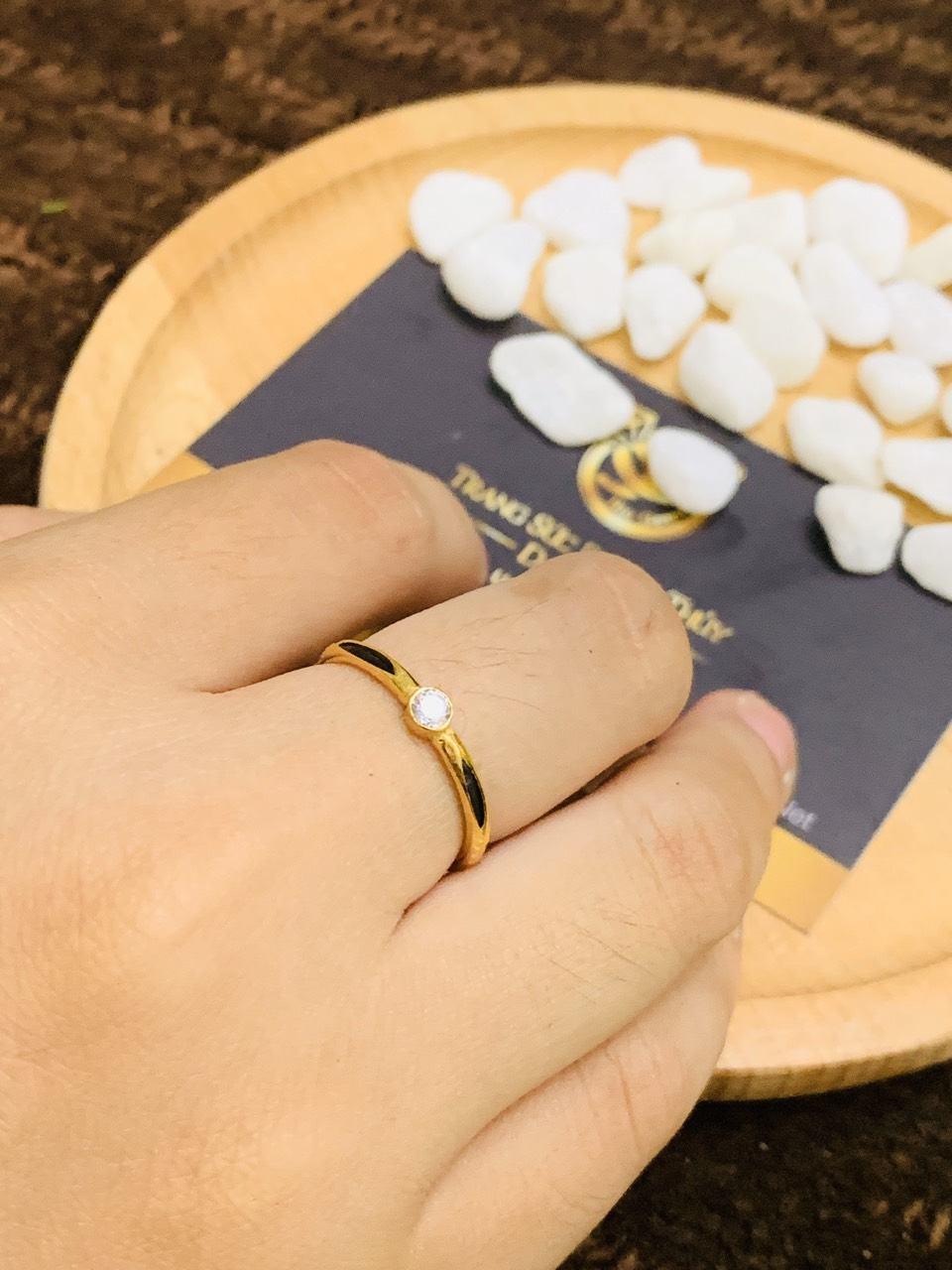 Nhẫn nữ vàng 18K đơn giản đính đá Cz tấm 2li Riogems