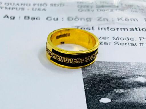 Nhẫn phong thủy 1 hàng chữ VẠN 2 viền lông