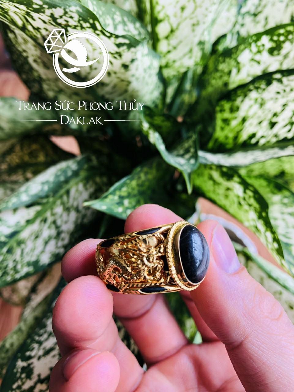 Nhẫn song LONG vàng 18Kđá đen lồng lông FAKE