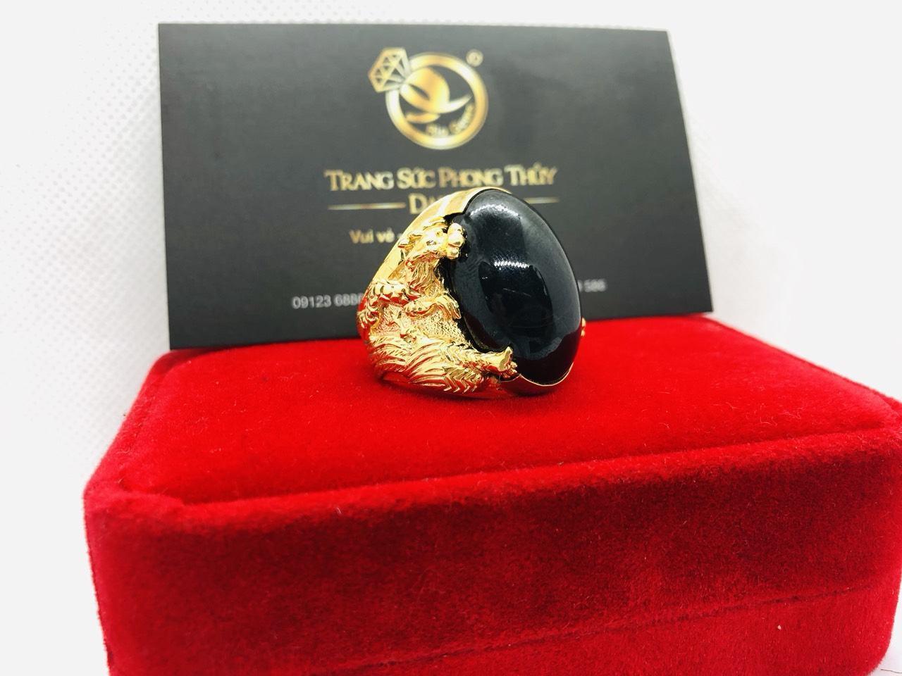 Nhẫn tứ Linh VÀNG 18K sapphire đen