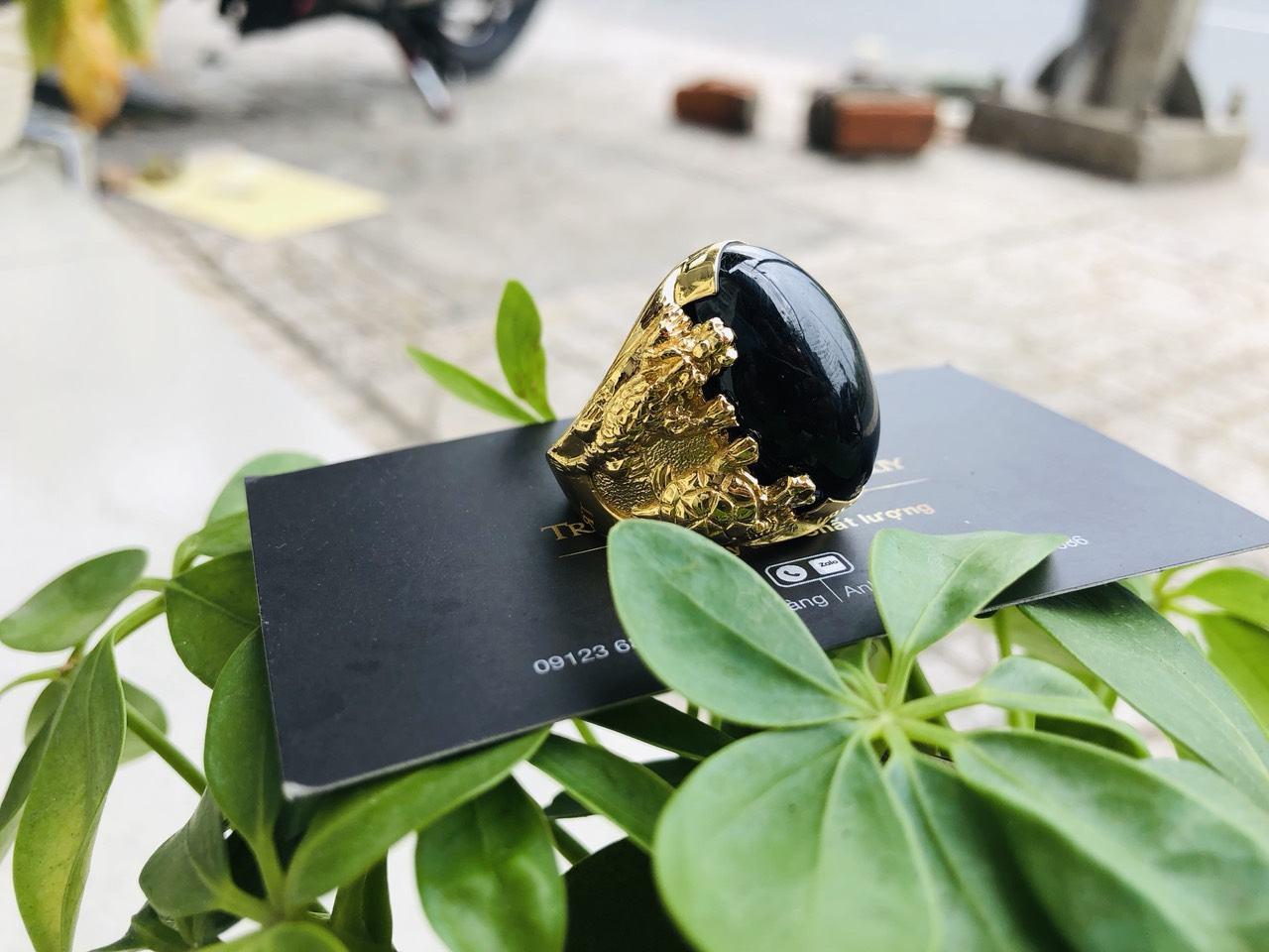 Nhẫn tứ Linh VÀNG 18K sapphire đen phong thủy mệnh THỦY - MỘC