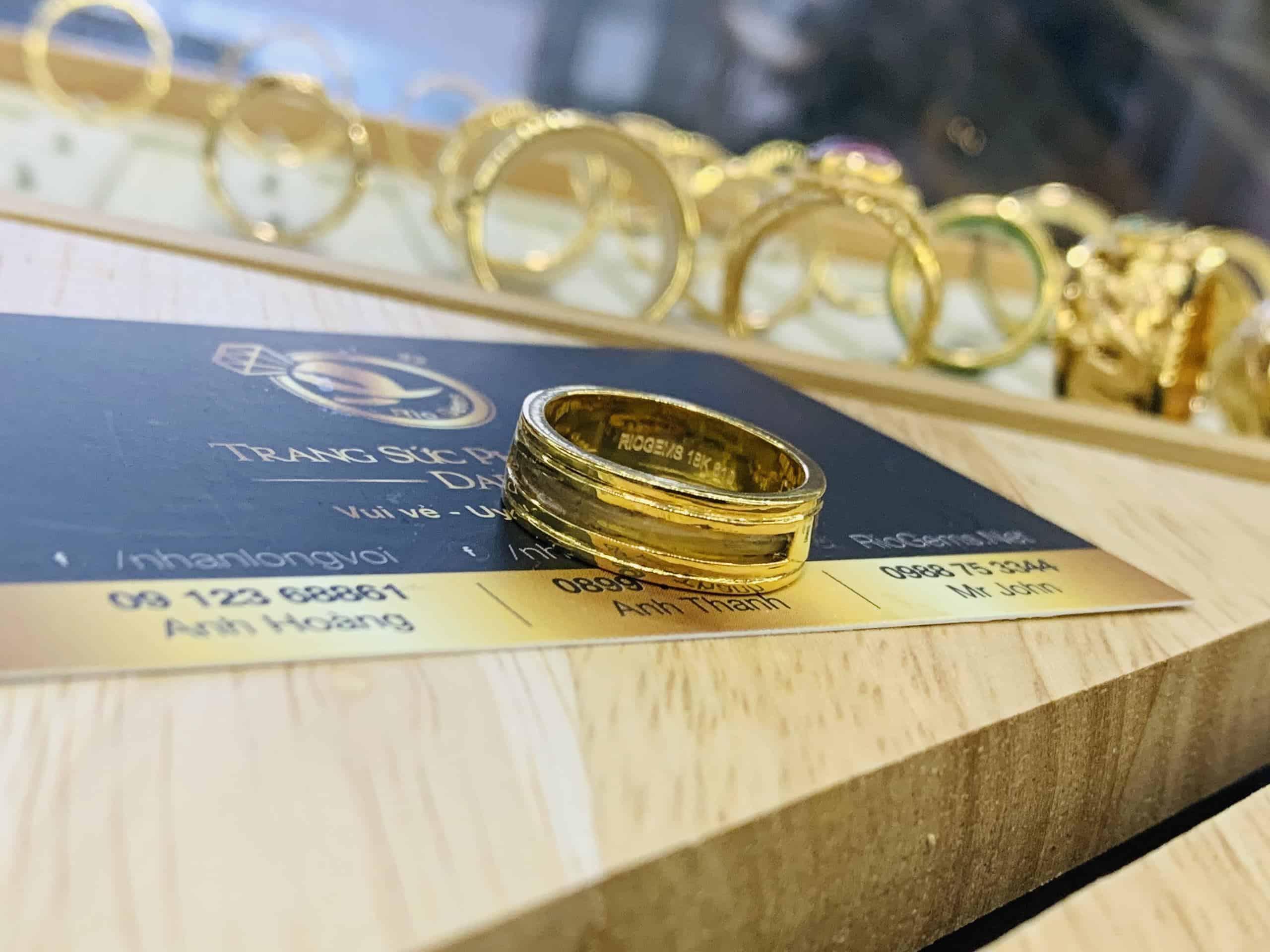 Nhẫn vàng 18K Riogems