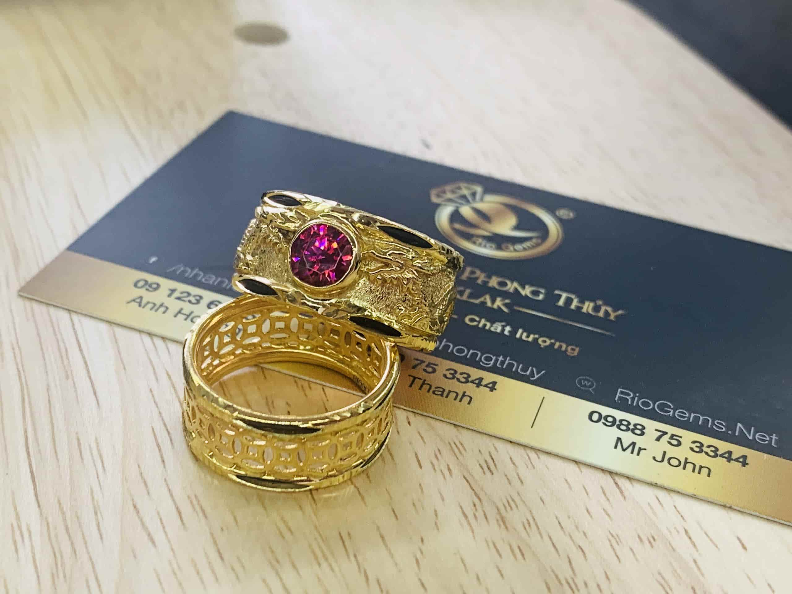 Nhẫn vàng chạm Rồng