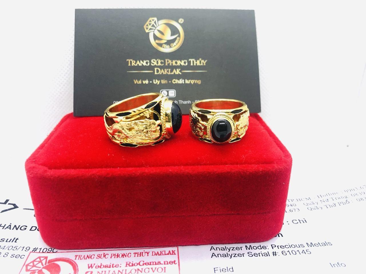 Nhẫn vàng gắn đá Saphia xanh đen hình Rồng Riogems phong thủy
