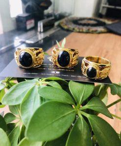 Nhẫn vàng phong thủy gắn Saphia xanh đen hình Rồng