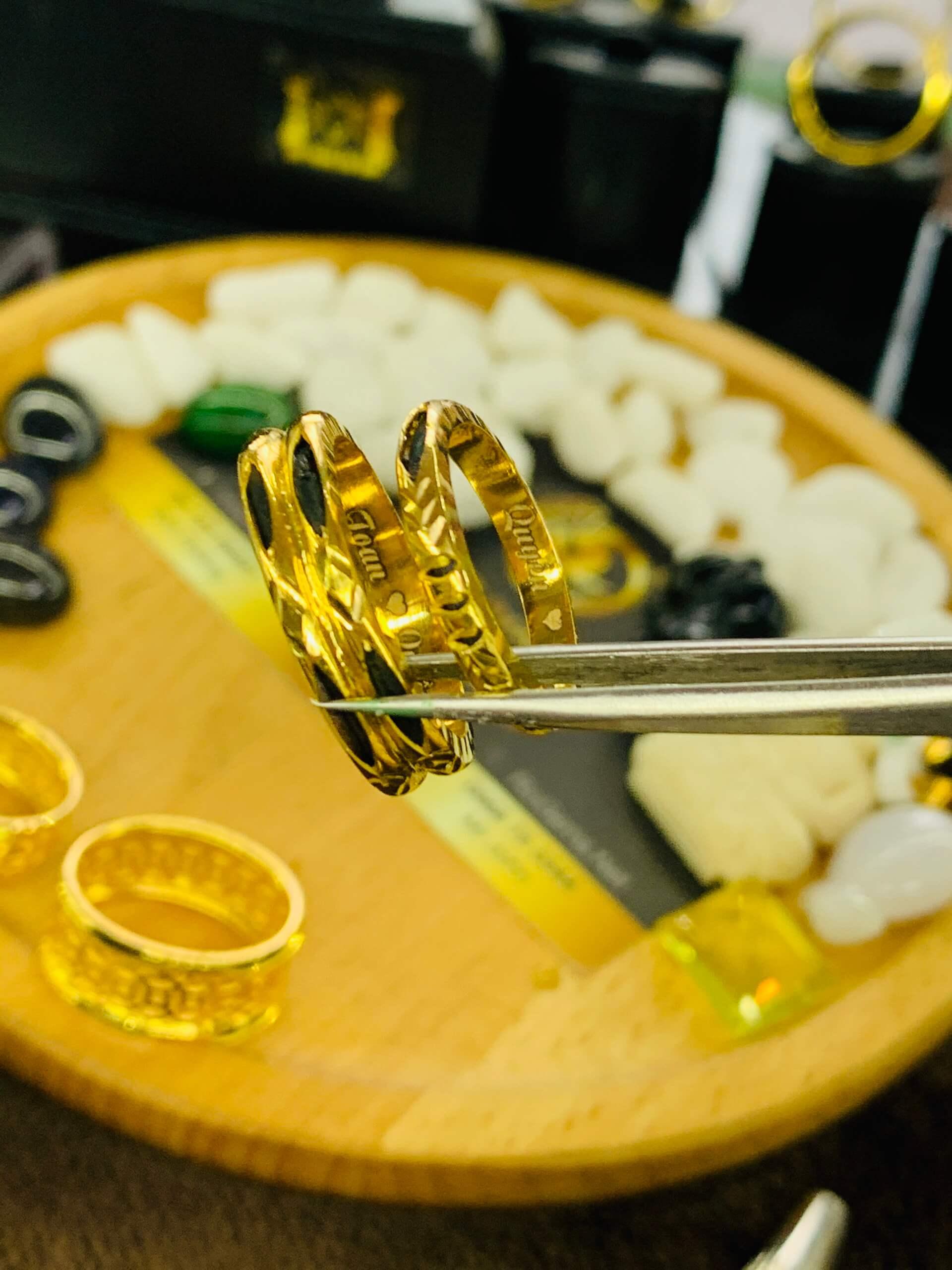Cặp nhẫn lông voi đúc 1-2 sợi dày vàng 18K