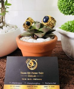 Họa tiết Song Long chạm khắc trên thân nhẫn tượng trưng cho sự chung thủy, hạnh phúc viên mãn